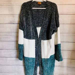 SALE 🥳 POL Oversized Long Sweater BlueWhite Large